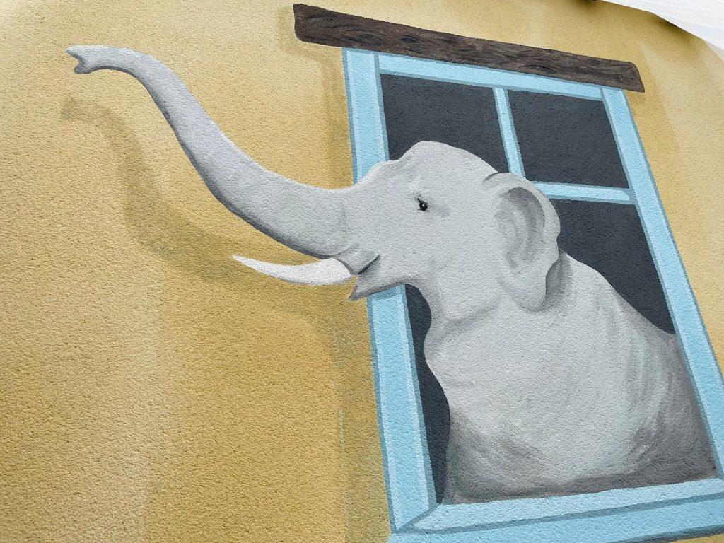 Castle Hotel Gatehouse Elephant